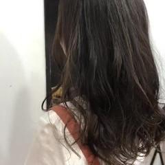 ロング ハイライト インナーカラー グレージュ ヘアスタイルや髪型の写真・画像