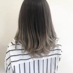ハイライト ダブルカラー セミロング フェミニン ヘアスタイルや髪型の写真・画像