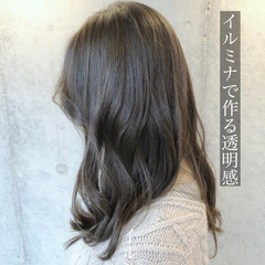 アッシュベージュ ナチュラルベージュ ロング こなれ感 ヘアスタイルや髪型の写真・画像
