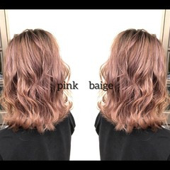 ナチュラル セミロング ピンクベージュ 外国人風カラー ヘアスタイルや髪型の写真・画像