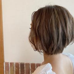 ハイライト ショートボブ ナチュラルベージュ ショート ヘアスタイルや髪型の写真・画像