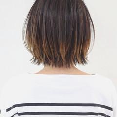 外ハネ 外国人風カラー レイヤーカット バレイヤージュ ヘアスタイルや髪型の写真・画像