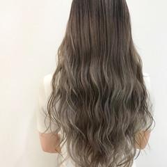 デザインカラー ロング ブリーチカラー グレージュ ヘアスタイルや髪型の写真・画像