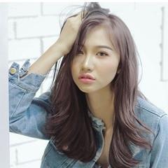 ピンクアッシュ フェミニン 外はね ロング ヘアスタイルや髪型の写真・画像