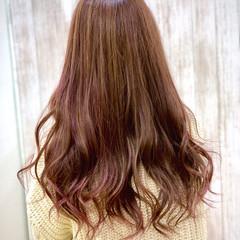 グラデーションカラー ロング ピンクカラー ゆるふわ ヘアスタイルや髪型の写真・画像