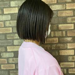 切りっぱなしボブ ナチュラル ブラウン ショートヘア ヘアスタイルや髪型の写真・画像