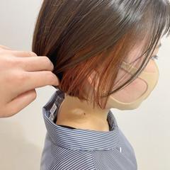 ガーリー インナーカラー ボブ 切りっぱなしボブ ヘアスタイルや髪型の写真・画像