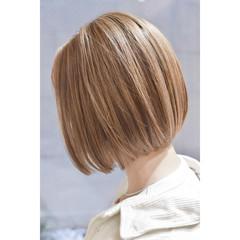ガーリー 切りっぱなしボブ ハイトーンボブ ミニボブ ヘアスタイルや髪型の写真・画像