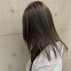 ブリーチカラー ロング 大人ハイライト ナチュラル ヘアスタイルや髪型の写真・画像