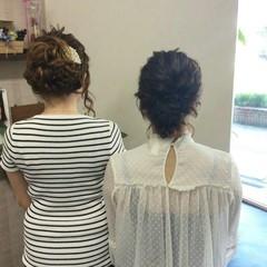 セミロング 結婚式 ナチュラル 編み込み ヘアスタイルや髪型の写真・画像