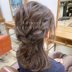 簡単ヘアアレンジ 結婚式 ミディアム アンニュイほつれヘア ヘアスタイルや髪型の写真・画像