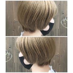 モード ボブ ハイトーンボブ ツヤ髪 ヘアスタイルや髪型の写真・画像