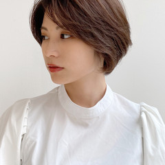 アンニュイほつれヘア 40代 ナチュラル ショート ヘアスタイルや髪型の写真・画像