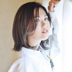 ミディアム グラデーションカラー ストリート バレイヤージュ ヘアスタイルや髪型の写真・画像