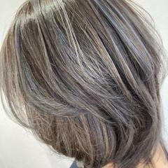ブリーチカラー ハイライト ミディアム エレガント ヘアスタイルや髪型の写真・画像