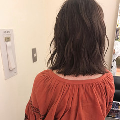 ヘアアレンジ ミディアム ナチュラル エフォートレス ヘアスタイルや髪型の写真・画像