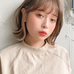 インナーカラー ミディアム 簡単ヘアアレンジ フェミニン ヘアスタイルや髪型の写真・画像