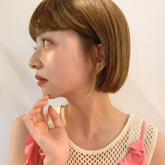 ミルクティーベージュ ナチュラル 透明感カラー シアーベージュ ヘアスタイルや髪型の写真・画像
