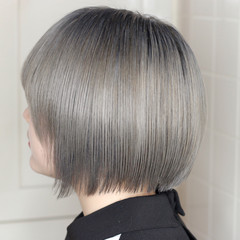ボブ 派手髪 ホワイトブリーチ ハイトーンカラー ヘアスタイルや髪型の写真・画像
