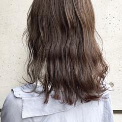 オリーブグレージュ 透明感カラー 地毛風カラー グレージュ ヘアスタイルや髪型の写真・画像
