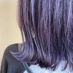 ナチュラル ピンクバイオレット ミディアム 切りっぱなしボブ ヘアスタイルや髪型の写真・画像