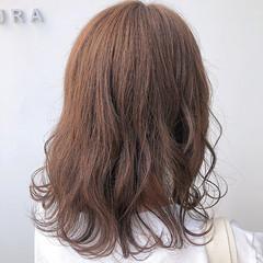 秋冬スタイル ナチュラル ミディアム モカベージュ ヘアスタイルや髪型の写真・画像