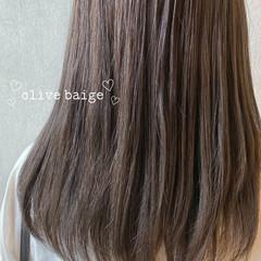オリーブグレージュ オリーブアッシュ オリーブベージュ セミロング ヘアスタイルや髪型の写真・画像