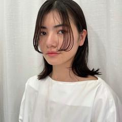 モード ミディアム ニュアンスウルフ ナチュラルウルフ ヘアスタイルや髪型の写真・画像