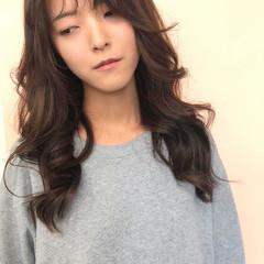巻き髪 韓国ヘア ガーリー ヨシン巻き ヘアスタイルや髪型の写真・画像