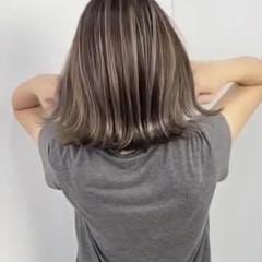 ハイライト ボブ ナチュラル コテ巻き ヘアスタイルや髪型の写真・画像