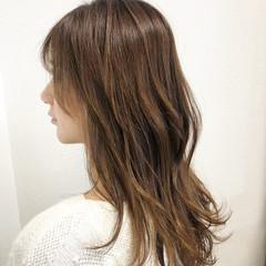 レイヤーカット デート ゆる巻き エレガント ヘアスタイルや髪型の写真・画像