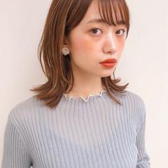 アンニュイほつれヘア レイヤーカット 外ハネ ミディアム ヘアスタイルや髪型の写真・画像