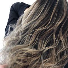 セミロング 外国人風カラー コントラストハイライト バレイヤージュ ヘアスタイルや髪型の写真・画像