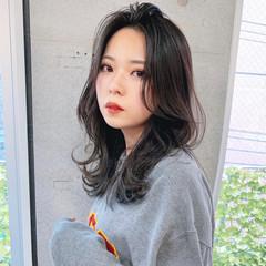 韓国風ヘアー フェミニン シースルーバング 長めバング ヘアスタイルや髪型の写真・画像