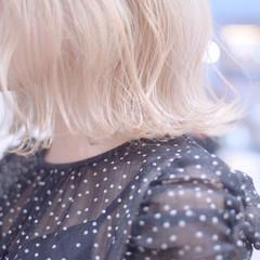 切りっぱなしボブ ブロンドカラー ボブ フェミニン ヘアスタイルや髪型の写真・画像