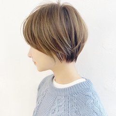 ベージュ ショートヘア マッシュショート 大人可愛い ヘアスタイルや髪型の写真・画像