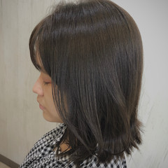 ミディアム ガーリー 切りっぱなしボブ ヘアスタイルや髪型の写真・画像