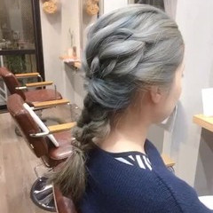 アッシュグレージュ アッシュグレー インナーカラー アッシュベージュ ヘアスタイルや髪型の写真・画像