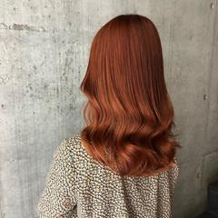 オレンジカラー ガーリー セミロング オレンジ ヘアスタイルや髪型の写真・画像