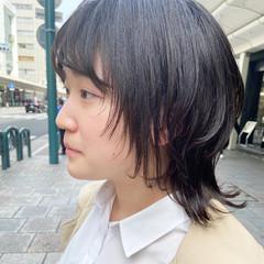 ウルフカット ナチュラル レイヤースタイル ミディアム ヘアスタイルや髪型の写真・画像