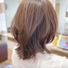 フェミニン セミロング ウルフカット ヘアスタイルや髪型の写真・画像