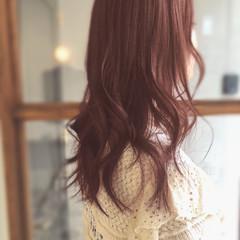 ピンクベージュ モテ髪 外国人風カラー ゆるふわパーマ ヘアスタイルや髪型の写真・画像