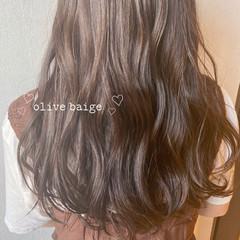 オリーブカラー オリーブアッシュ ナチュラル オリーブベージュ ヘアスタイルや髪型の写真・画像