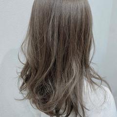 アッシュグレージュ シアーベージュ アッシュベージュ グレージュ ヘアスタイルや髪型の写真・画像