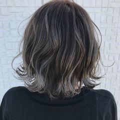 ボブ グラデーションカラー ストリート グレージュ ヘアスタイルや髪型の写真・画像