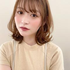 ミディアム 大人かわいい 小顔 アンニュイほつれヘア ヘアスタイルや髪型の写真・画像