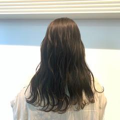 グレージュ ナチュラル セミロング ベージュ ヘアスタイルや髪型の写真・画像