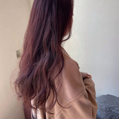 レイヤーロングヘア 大人かわいい ピンクカラー ロング ヘアスタイルや髪型の写真・画像