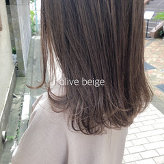 オリーブカラー オリーブアッシュ ミディアム オリーブグレージュ ヘアスタイルや髪型の写真・画像