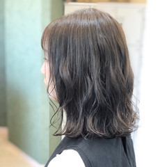 ナチュラル ミディアム ヘアアレンジ アウトドア ヘアスタイルや髪型の写真・画像